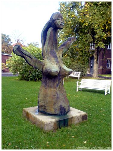 liveberlin-0091-drk-sculptu.jpg