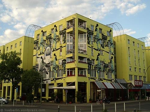liveberlin-0125-yellowhouse.jpg