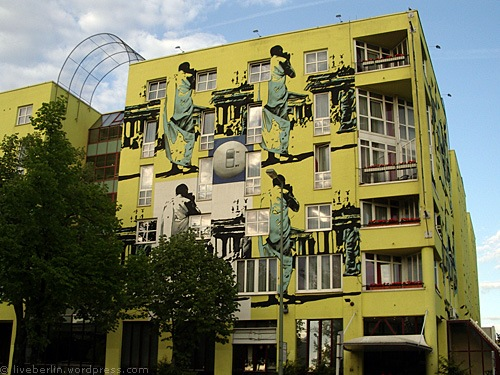 liveberlin-0126-yellowhouse