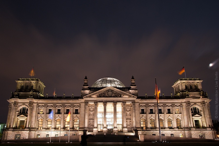 IMGP0853-Reichstag-Nacht-web-900.jpg